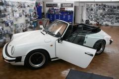 Porsche 911 G-Modell Cabrio, Blaupunkt Bremen Radio & Aktivwoofer